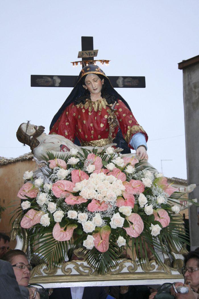 Tradizioni - Festa della Madonna della Pietà. Statua della Madonna della Pietà